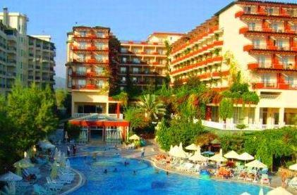 отель Holiday Park Resort