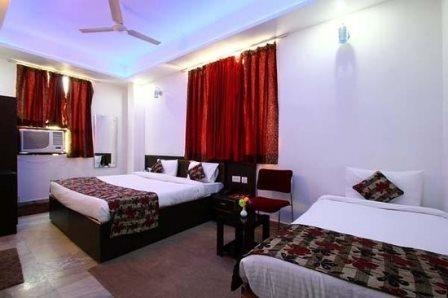 triple room 1 - Taj Galaxy