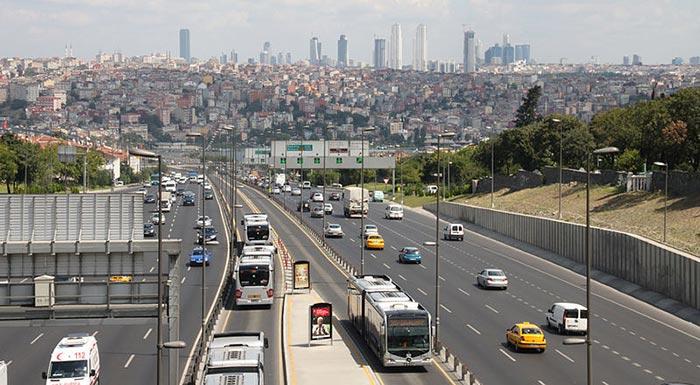800px Metrobus Istanbul 2010 - Стамбул. Краткое пособие для начинающих путешественников.