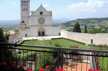 0704 lmonastery 01 travel italy full 600 420x277 - Итальянские монастыри предлагают возможность переночевать
