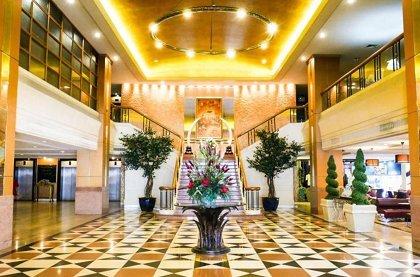 отель Indra Regent Hotel