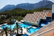Vid s balkona otelya Kuins Park Rezort Gejnyuk 180x120 - Queen's Park Resort