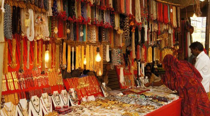 pushkar-shopping