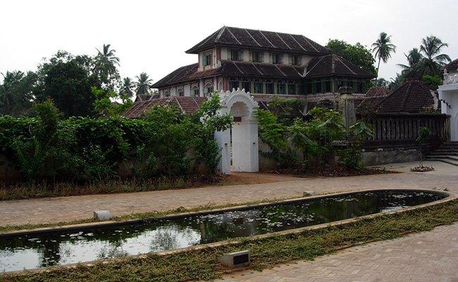 Kollengode Palace - Муннар