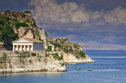 ГРЕЦИЯ: ПЛЯЖНЫЙ ОТДЫХ остров КОРФУ – ИЗУМРУДНЫЙ РАЙ