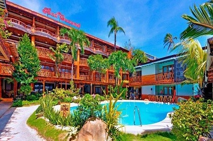 отель Red Coconut Beach