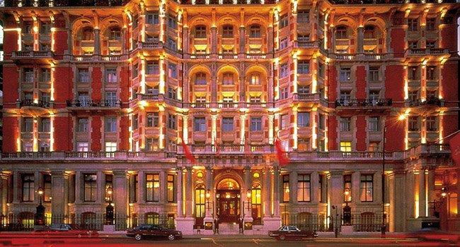 Самые известные модные магазины Лондона — Harvey Nichols и Harrods.