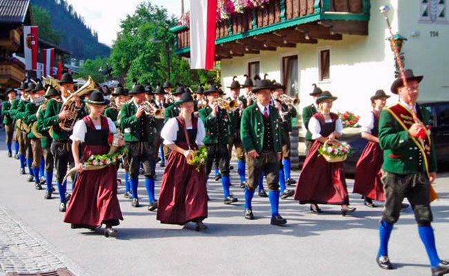 На празднике в Австрии.